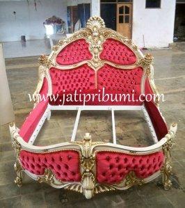 tempat tidur mewah raja
