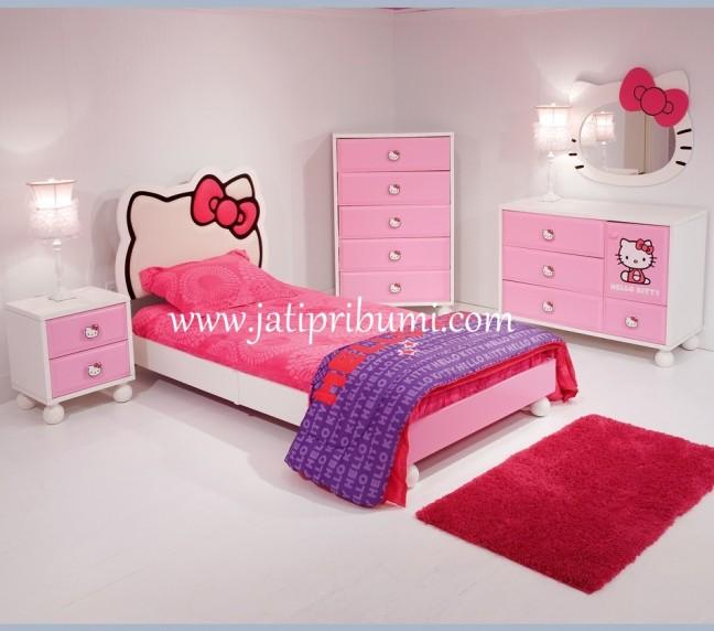 set-tempat-tidur-hello-kitty