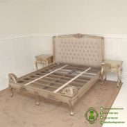 tempat-tidur-antique-warna-emas